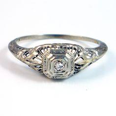 1920's filigree and diamond ring