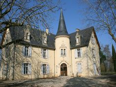 French Chateau for sale in 47 - Lot et Garonne , Aquitaine France. Elegant neo-renaissance style village Chateau built in the XIXth century and offering some 850m2 of habitable space over 3 floors, with 21 main rooms. Attractive original features. Completely restored between 1993 and 1998 and converted for use as a conference centre. Set in 5,000m2 of enclosed parkland, overlooking the river Lot and with direct access to the riverbank. Possibility of acquiring a caretakers house of about…