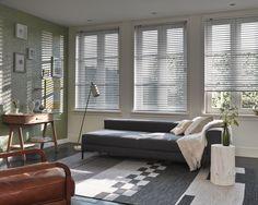 #interior #window #decoration #windowdecoration #design #modern #retro #livingroom #cozy #white #grey #leather #sofa #flowers