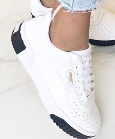 Kick starting your weekend with the launch of these new PUMA Cali Sneakers 😍💯 Zapatillas Nike Sb, Tenis Vans, Puma Sneakers, White Sneakers, Shoes Sneakers, Trendy Shoes, Cute Shoes, Me Too Shoes, Sneakers Fashion