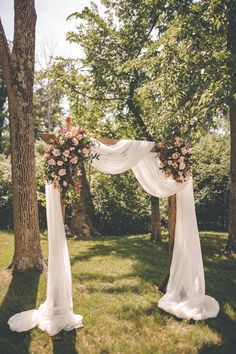 Wow this is absolutely stunning this outdoor wedding had a very romantic wooden archway with load of draping fabric and pink flowers weddingarch weddingarchideas romanticweddingceremony weddingarchflowers 12 ways to send blankets as fall wedding favors Outdoor Wedding Decorations, Wedding Centerpieces, Outdoor Weddings, Altar Decorations, Outdoor Party Decor, Photoboth Mariage, Farm Wedding, Wedding Events, Wedding Rustic