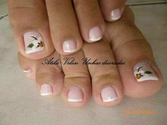 Uñas by justine Pretty Toe Nails, Fancy Nails, Bling Nails, Gorgeous Nails, My Nails, Pedicure Designs, Pedicure Nail Art, Toe Nail Designs, Toe Nail Art