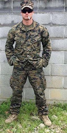 Hot Army Men, Sexy Military Men, Hot Men, Men Smoking Cigarettes, Tom Hardy Hot, Hot Cops, Police, Man Smoking, Men In Uniform