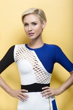 Cool Short Hairstyles From Celebrities 2015 nicky-whelan-in-clic Popular Short Hairstyles, Top Hairstyles, Best Short Haircuts, My Hairstyle, Latest Hairstyles, Short Hair Cuts For Women, Short Hair Styles, Nicky Whelan, Ombre Look