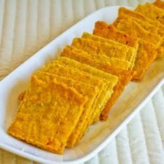 Gluten Free cheese crackers with almond flour! (S)