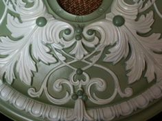 paint a medallion for ceiling
