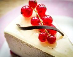 Suklaa-tuorejuustoleivokset, Cheesecake with nutty chocolate batter – Ruoka.fi