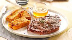 Découvrez notre recette de côtes de porc marinées citron vert miel et romarin, polenta parmesan chorizo pour 4 personnes. Une recette de difficulté 2 sur 4 préparée en 15 min (cuisson : 10 min)