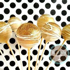 Gold cakepops