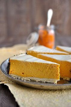 Honey cake with pudding cream and caramelized walnuts - recipe - Pumpkin cheesecake - Pumpkin Cheesecake Recipes, Pumpkin Recipes, Fall Recipes, Cheesecake Desserts, Recipes Dinner, Thanksgiving Recipes, Healthy Dessert Recipes, Baking Recipes, Cookie Recipes