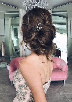 Coiffure De Mariage : Featured Hairstyle: Ulyana Aster; www.ulyanaaster.com; Wedding hairstyle idea.
