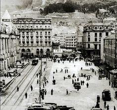 Ampliación de la Avenida Jimenez de Bogotá a mediados de los años 40s Japan Spring, Old City, Good Times, Cities, Louvre, Landscape, American, Photography, Travel