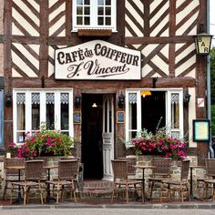 Cafe du Coiffeur in Normandy