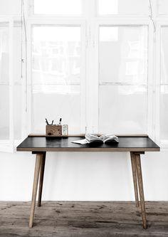 KBH Snedkeri - Writers Table