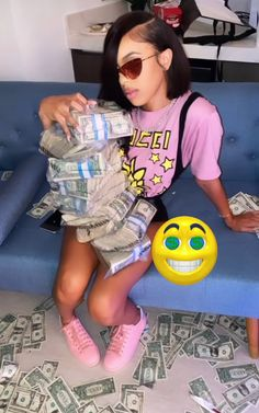 Money Girl, Mo Money, Money On My Mind, Gangster Girl, Teen Life Hacks, Girl Outfits, Fashion Outfits, Pretty Black Girls, Cute Friends