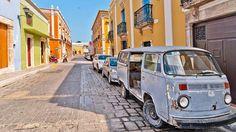 Campeche. Une des plus belles villes coloniales du Mexique, joliment restaurée et classée au patrimoine mondial de l'Unesco. Charme fou assuré tant elle semble être restée en l'état avec ses arcades, ses ruelles pavées, ses façades peintes de pastel, sa plazza centrale, ses balcons de fer forgé…