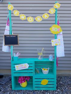 DIY Lemonade Stand Fun summer project for the kids using crates from Joanns or Michaels. Diy And Crafts, Crafts For Kids, Arts And Crafts, Kids Lemonade Stands, Little Girl Crafts, Frozen Room, Backyard For Kids, Diy Birthday, Fundraising