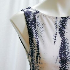 Black and White Arashi Shibori Top by dyedianadye I should remember this top and use Liz's batik's to sew one myself.