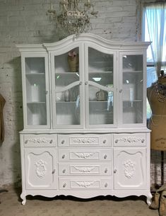 Painted Cottage Prairie Chic One of a Kind Vintage China Display Cabinet CC2002 Painted Cottage, Shabby Cottage, Cottage Chic, China Cabinet Display, Farmhouse Kitchen Tables, Chair Pictures, Glass Knobs, Paris Apartments, My Furniture
