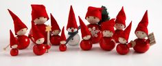 love these little scandanavian Christmas elves - I think everything needs a pointy christmas felt hat this year