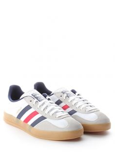 Love how you can see the stripes through the souls. Adidas Gazzelle Indoor Men's Trainer White.. http://www.diffusiononline.co.uk/men-c2/footwear-c39/trainers-c68/gazzelle-indoor-3-stripe-great-britain-trainer-p18872