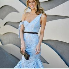 Fashion inspiration and 👍👍to new styles arriving soon to @parlerlamode ✔️✔️✔️ • • #parlerlamode #picoftheday #torontofashion #toronto_insta #musthave #top #skirt #fashionista #stylishwomen #stylish #ootd #ootn #glam #chic #beautiful #girl #smile #happy #skirt #beautiful #fashionista #style #stylish #love #glam #luxury #parlerlamode