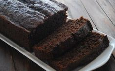 Incredibly Easy Chocolate Zucchini Bread is so easy to make and so versatile that it& perfect for practically every occasion. This recipe for zucchini bread is definitely one of the best you& ever come across. Chocolate Flan Cake, Chocolate Bread Recipe, Chocolate Zucchini Bread, Chocolate Morsels, Zucchini Loaf, Chocolate Frosting, Homemade Chocolate, Chocoflan Recipe, Greek Yogurt Recipes