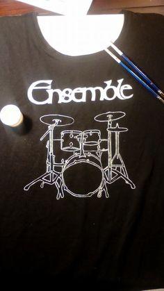 Creación de prendas para grupos de música Camiseta pintada a mano
