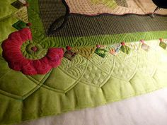 VERY pretty border treatments!  Sewing & Quilt Gallery @Liz Mester Mester Mester Mester Carr Haskell - i just had to show you this!!!