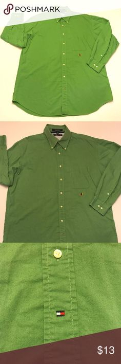 """Men's Tommy Hilfiger Original Oxford Shirt XL Welcome to The Fit Stop!  Brand: Tommy Hilfiger  Condition: This item is in Excellent Used Condition!  Item Specifics: Button Down Front, Button Down Collar, Logo on Chest, Single Front Pocket  Material: 100% Cotton  Color: Green – See Photos  Size: Adult XL--17 32-33 (See Measurements First to Assure Proper Fit)  Measurements:  Pit to Pit (Across Chest): 26.5""""  Sleeves (Top of Shoulder to Cuff) 22""""  Length (Top of Collar to Hem): 33"""" Tommy…"""
