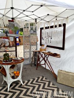 How to Set Up an Art Fair Tent - Candie Cooper Craft Show Booths, Craft Booth Displays, Display Ideas, Booth Ideas, Diy Necklace Stand, Farmers Market Display, Country Living Fair, Tent Set Up, Renegade Craft Fair