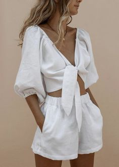 Cropped Tops, Short Outfits, Cute Outfits, Two Piece Outfits Shorts, Beautiful Outfits, Trendy Outfits, Suit Fashion, Fashion Outfits, Beach Fashion