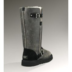 you like UGG boots,so does she. Christmas gifts $65