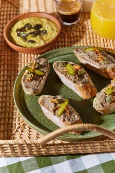 Borjúmájpástétom házilag recept | Street Kitchen Green Kitchen, Pesto, Quinoa, Healthy Snacks, Protein, Tacos, Brunch, Food And Drink, Ethnic Recipes