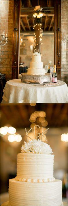 Rustic-inspired wedding cake ~ Photo: Mustard Seed Photography
