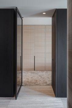 Project Sono center Ghent - High ■ Exclusive living and garden inspiration. Interior Window Shutters, Plafond Design, Dark Interiors, Wardrobe Closet, Bedroom Layouts, Minimalist Bathroom, Master Bedroom Design, Apartment Interior, Contemporary Interior