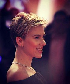 15 Best Scarlett Johansson Short Hair Color Style - New Site Popular Short Hairstyles, Trending Hairstyles, Pixie Hairstyles, Pixie Haircut, Easy Hairstyles, Short Hair Dos, Short Hair Styles, Celebrity Short Haircuts, Blonde Pixie Cuts