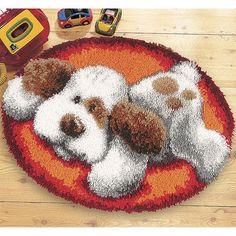 Latch-Hook,6-7cm boyunda kesilmiş yün iplikleri, bir tığ yardımı ile büyük delikli kanvas kumaşına düğüm atarak elde edeceğiniz tüylü görünü... Latch Hook Rug Kits, Punch Needle Patterns, Yarn Thread, Crafts For Girls, Rug Hooking, Handmade Rugs, Pattern Art, Needlepoint, Crochet Projects