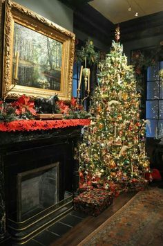 The Houmas House In Louisianaall Decorated For Christmas