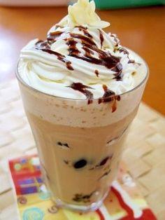 「コーヒーゼリーフラペチーノ」ドリップコーヒーで作る、コーヒーゼリーとフローズンです!お好きなコーヒー豆で作ってみて下さい【楽天レシピ】