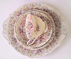 What an enchantingly beautiful china pattern. teacup,saucer-china flowers floral Kitchen Shabby Chic via Jan Campsall Vintage Dishes, Vintage China, Vintage Tea, Bar Deco, Teapots And Cups, Teacups, China Tea Cups, My Cup Of Tea, China Patterns