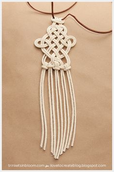 Get knotty and create one of the hottest accessory trends for summer a DIY Dip Dyed Macramé Necklace. Fashion always gets a little mo.Discover recipes, home ideas, style inspiration and other ideas to try. Macrame Colar, Macrame Necklace, Macrame Knots, Micro Macrame, Macrame Jewelry, Macrame Bracelets, Diy Necklace, Necklace Ideas, Wire Earrings