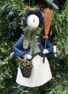 Dressed Warm Snowlady Christmas Ornament by ModerationCorner (diy inspiration) Ornament Crafts, Handmade Ornaments, Diy Christmas Ornaments, Felt Ornaments, Christmas Elf, Christmas Projects, Christmas Crafts, Christmas Decorations, Clothes Pin Ornaments