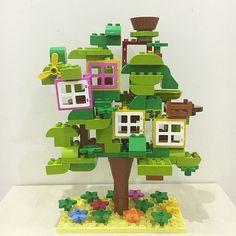 Lego treehouse.  It's nesting season!  #duplo #lego #schleich Inspired by @brickaday  #duplochallenge