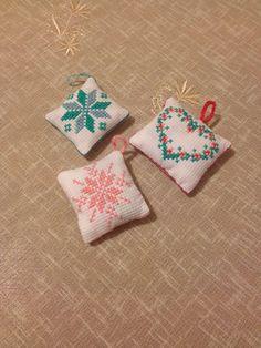 Cross stitch lavender sachet Etamin lavanta kesesi