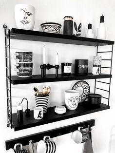 Cozy Kitchen, Kitchen Sets, Cafe Interior, Kitchen Interior, Coffee Bar Design, Organisation Hacks, White Dishes, Coffee Corner, Home Food