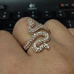 Rose gold! Stella & Dot Sidewinder Ring.