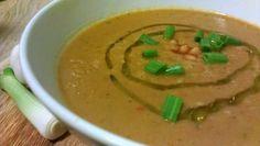 Baklažánová polievka s kokosom a fazuľou