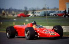1968 Hethel - Graham Hill tests the wedge-shaped Lotus 56 following its launch ahead of the Indianapolis 500. (ph: en.espnf1.com) Indy Car Racing, Indy Cars, Lotus F1, Ayrton Senna, Automotive Art, Formula One, Car Pictures, Motor Car, Motor Sport
