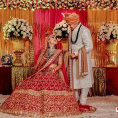 indian wedding photography tips Indian Wedding Pictures, Wedding Couple Pictures, Indian Wedding Couple Photography, Indian Wedding Bride, Bride And Groom Pictures, Bride Photography, Indian Weddings, Indian Bridal, Photography Ideas